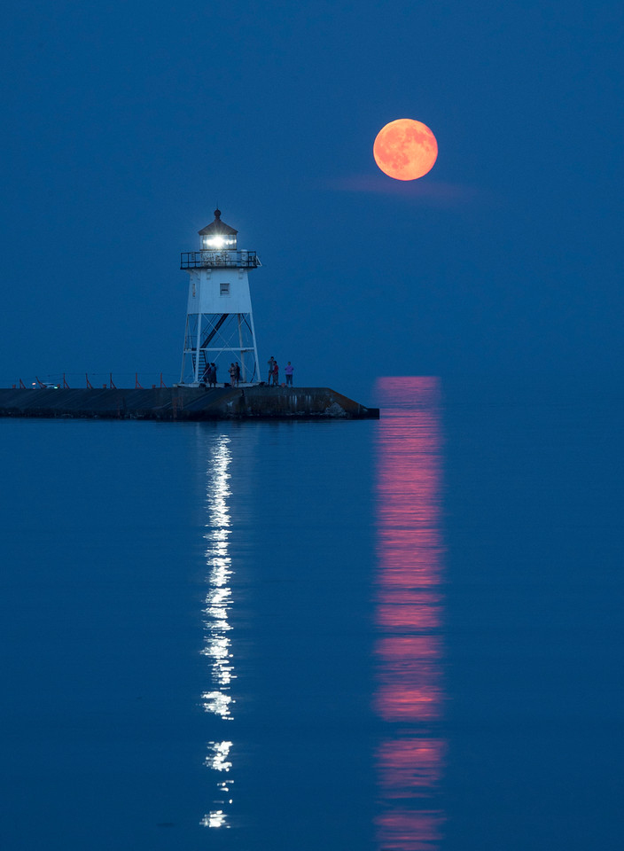 Moonrise Grand Marais Harbor 001