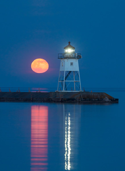 Grand Marais Harbor Moonrise 001