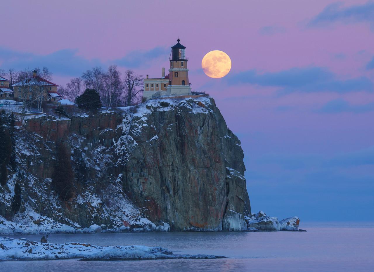 Split Rock Moonrise 001