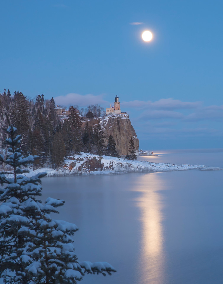 Split Rock Moonrise 006