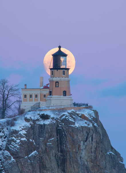 Split Rock Moonrise 001