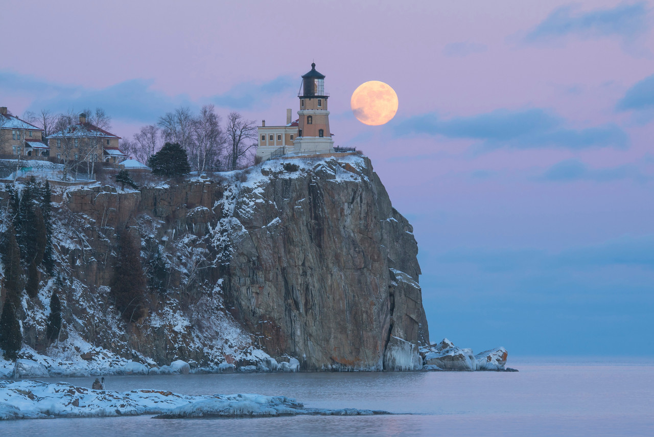 Split Rock Moonrise 002