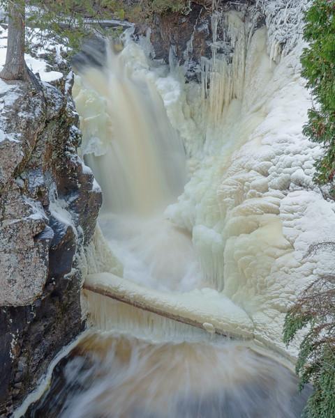 Cascade River 001
