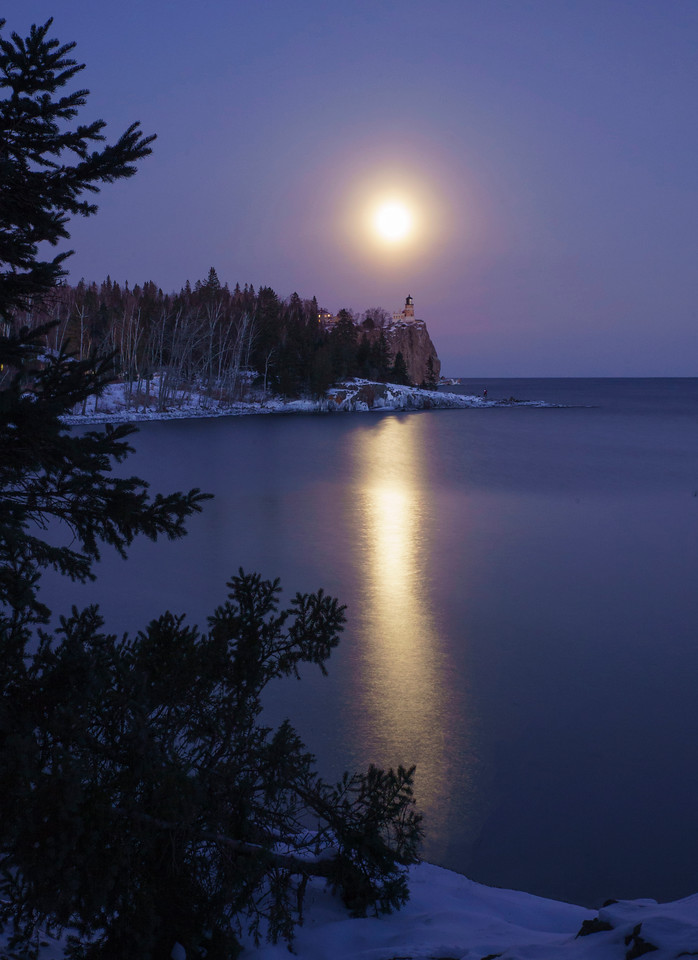 Wolf Super Moon over Split Rock 004