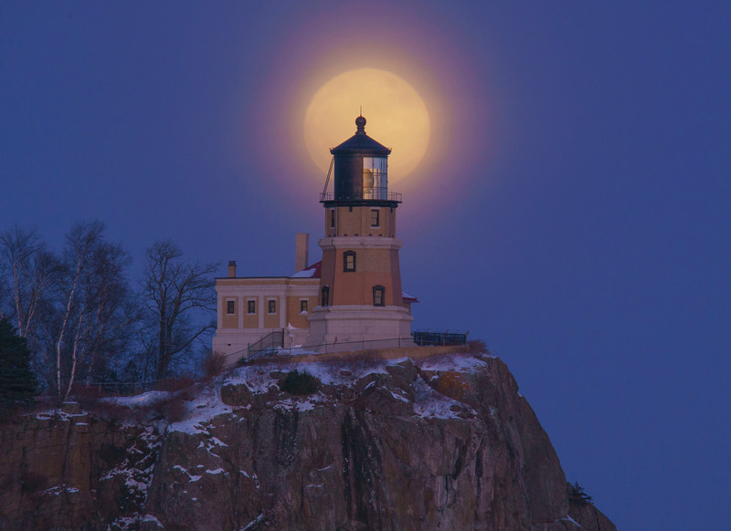 Wolf Super Moon over Split Rock 001