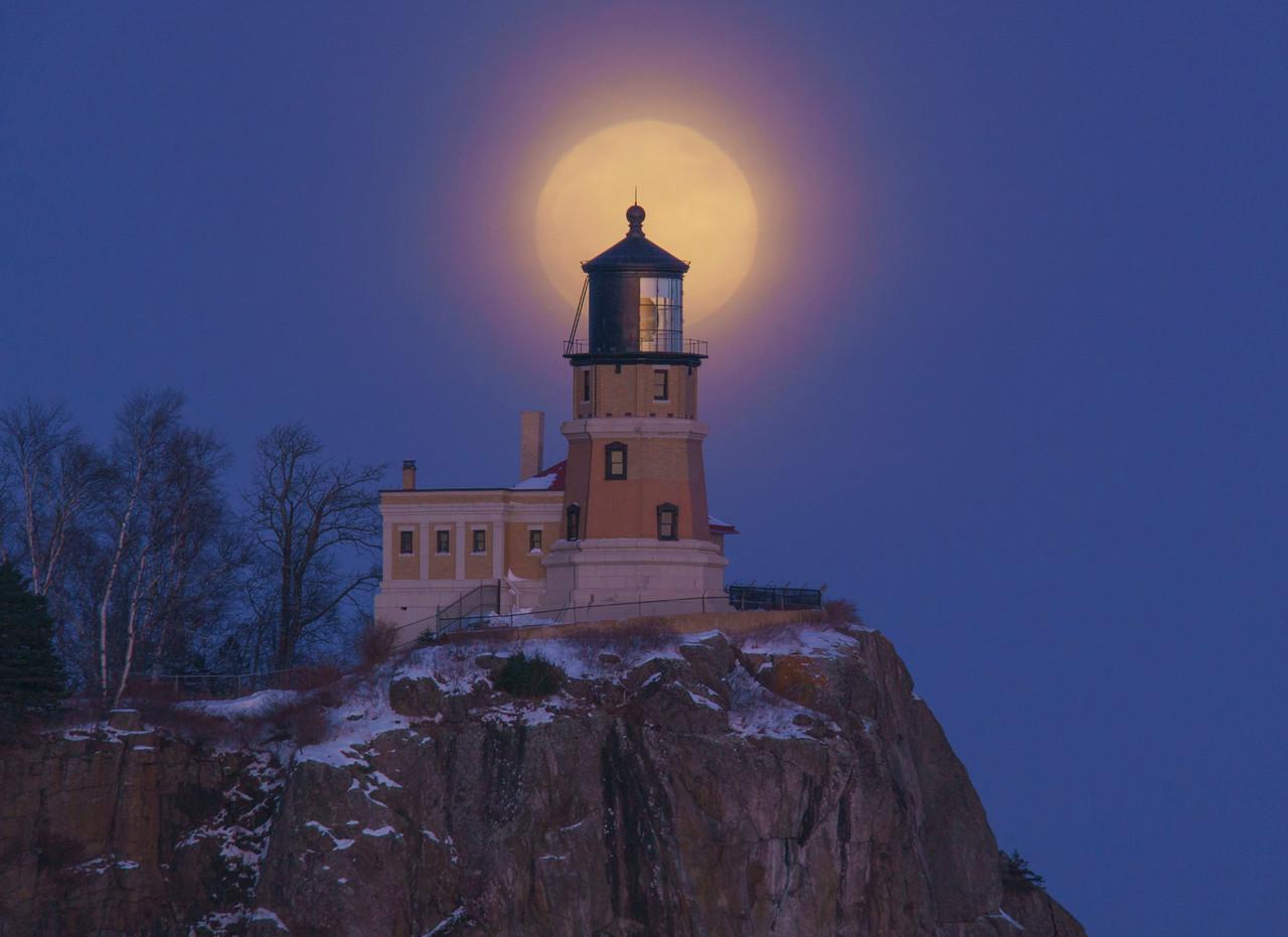 Wolf Super Moon over Split Rock 001
