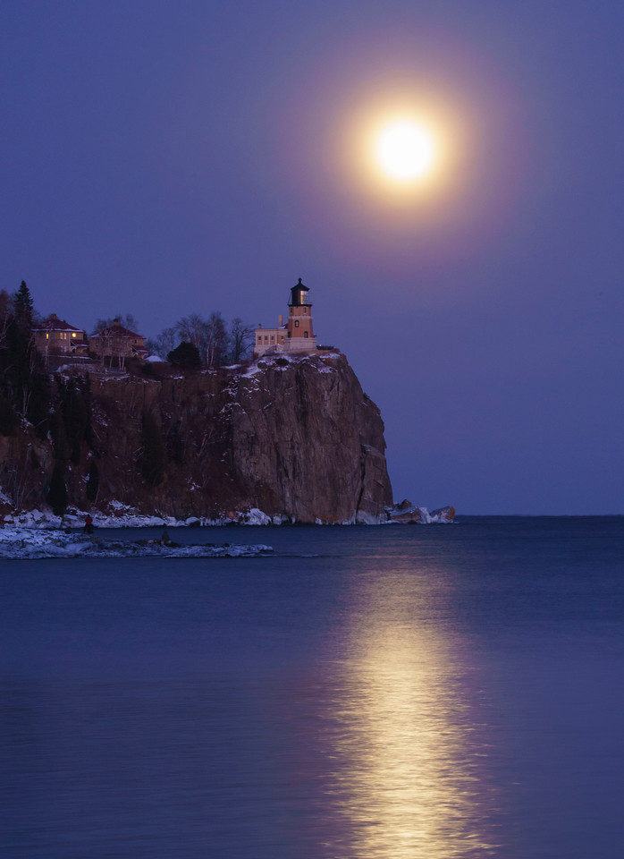 Wolf Super Moon over Split Rock 002
