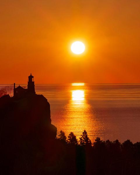 Sunrise Split Rock Lighthouse 003