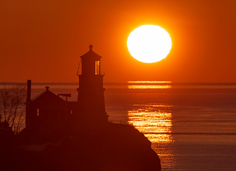 Sunrise Split Rock Lighthouse 002