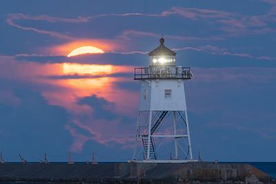 Moon Rise Grand Marais