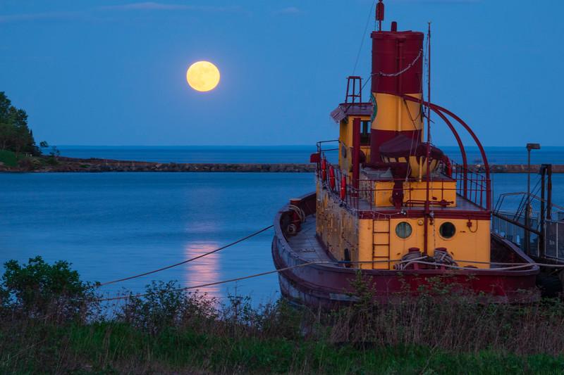 June Strawberry Full Moon 002