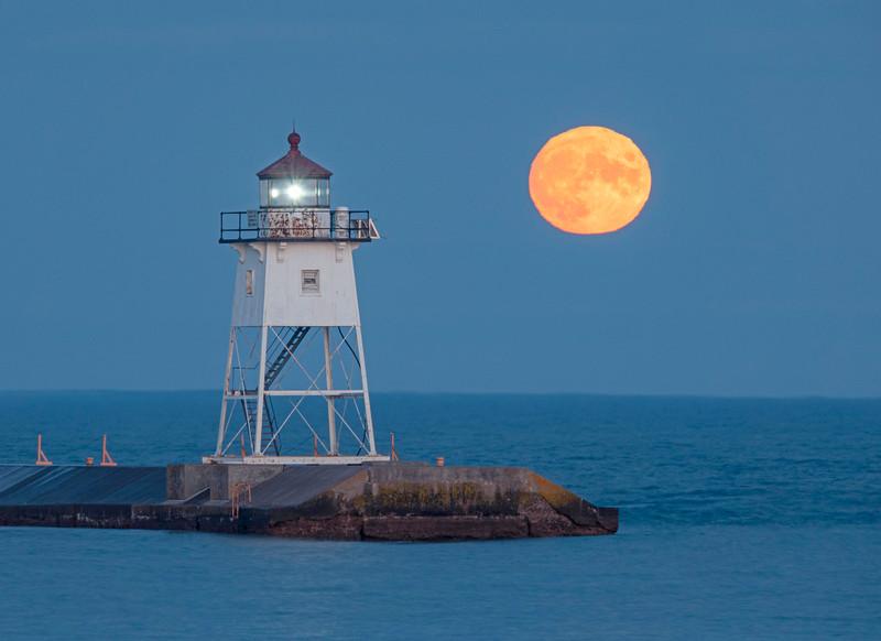 Sturgeon Full Moon 003