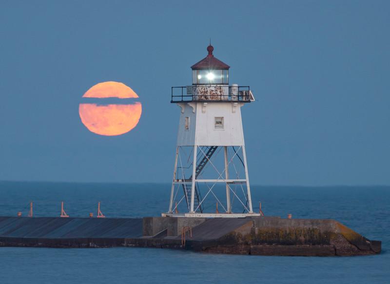 Sturgeon Full Moon 001