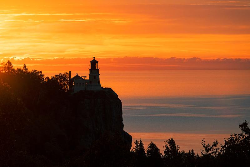 September Sunrise Split Rock Lighthouse State Park 002