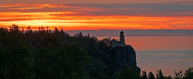 September Sunrise Split Rock Lighthouse State Park 003