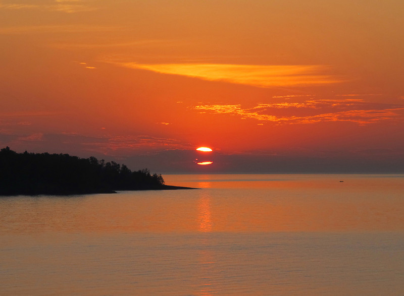 August 5 Sunrise by Jacob Van Kekerix<br /> <br /> Jacob said he would go the next morning. I decided to go to Silver Cliff and Jacob wanted to go to the spot on Burlington Bay that I had photographed the previous morning. I told him we would go our separate ways and see who got the best photo. Jacob won. Here is Jacob's image.