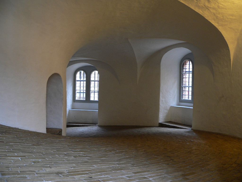 July 06<br /> <br /> Arches and curves <br /> <br /> Inside the Round Tower (Copenhagen)
