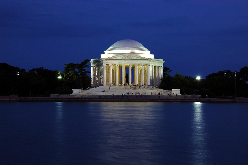 July 02 <br /> <br /> Jefferson memorial by night