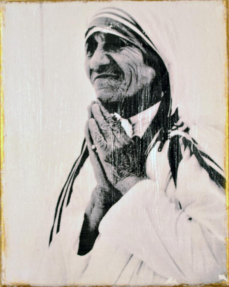 Mother Teresa in Prayer