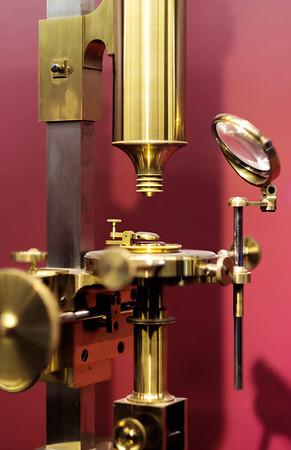brass_microscope