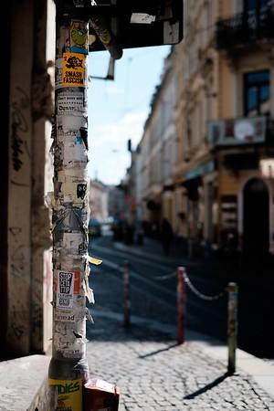Handbill Pole