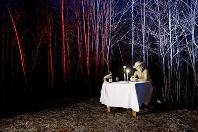 Oda Krogh og Hans jæger som har drikki seg under bordet på absint! På Hurdal senterets Sansesti har vi forsøkt å tilgjengeliggjøre kunst og kunsthistorien gjennom å lage det i formater blinde og svaksynte kan ta og føle på -- by Dhita Siauw