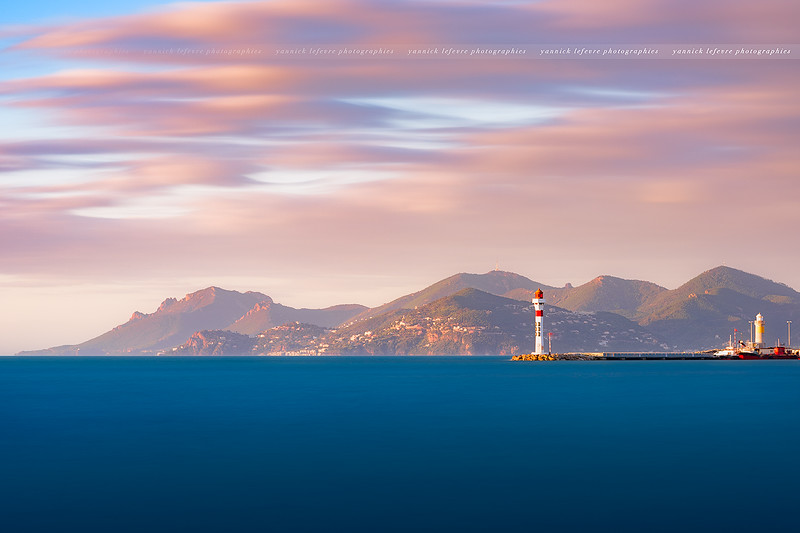 Phare de Cannes & l'Estérel.