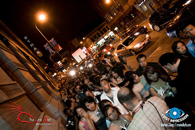 A jam packed party...just look at that line!!!