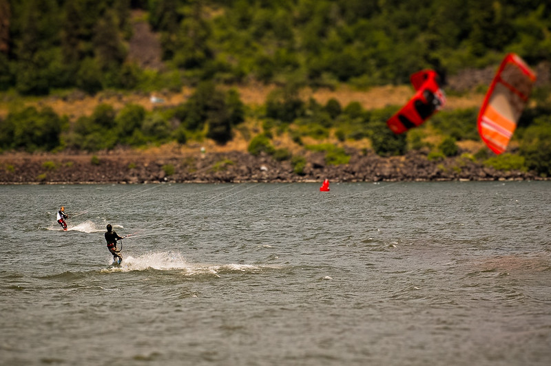 Columbia River kite surfing