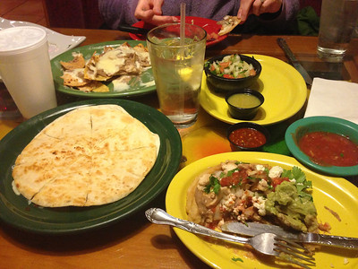 2013-01-07: Dinner at Guad after family futbol.