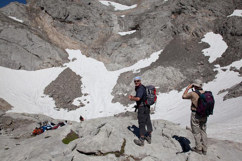 Jim & Alan below the hut