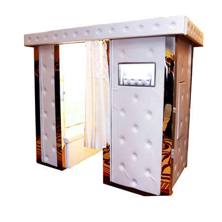 "<p><span style=""color: #c0c0c0;""><span style=""font-size: 18px;""><strong><span style=""font-family: 'Arial Unicode MS', sans-serif;"">White leatherette Booth</span></strong></span></span></p> <p><span style=""font-family: 'Arial Unicode MS', sans-serif; font-size: 10pt;"">This White leatherette booth with mirrored pillars has proven to be a hit at weddings.The luxurious white finish blends in seamlessly with an elegant setting.This Booth measures 2x1m & features a built in seat stretching the width of the booth allowing enough room for 3-4 people to fit in comfortably. This is the booth to book if you're looking for entertainment with a classy look.</span></p>"