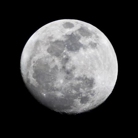 76/365 Moon Revisited http://365.greatproj.com/2011/03/76365-moon-revisited/
