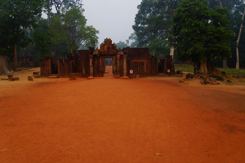 This is a photo of the main entrance gate to Banteay Srei as I approached the temple.