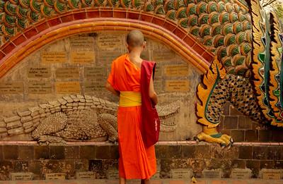 THAILAND – Monk Chat