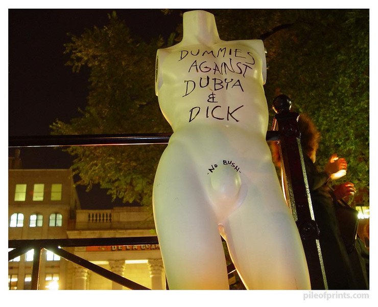 "<b>This photo is titled: ""No Dick either."" On the final evening of the convention  this candle light vigil in Union Square mourned all who have died as a result  of Bush's policies."