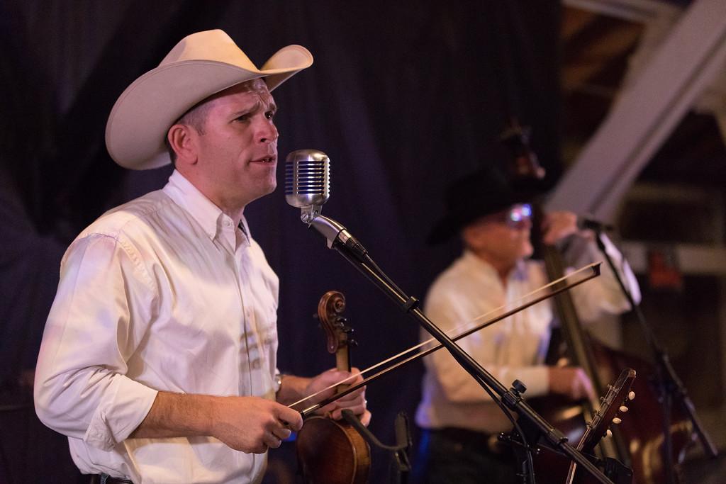 Jason Roberts - Texas Fiddle Man