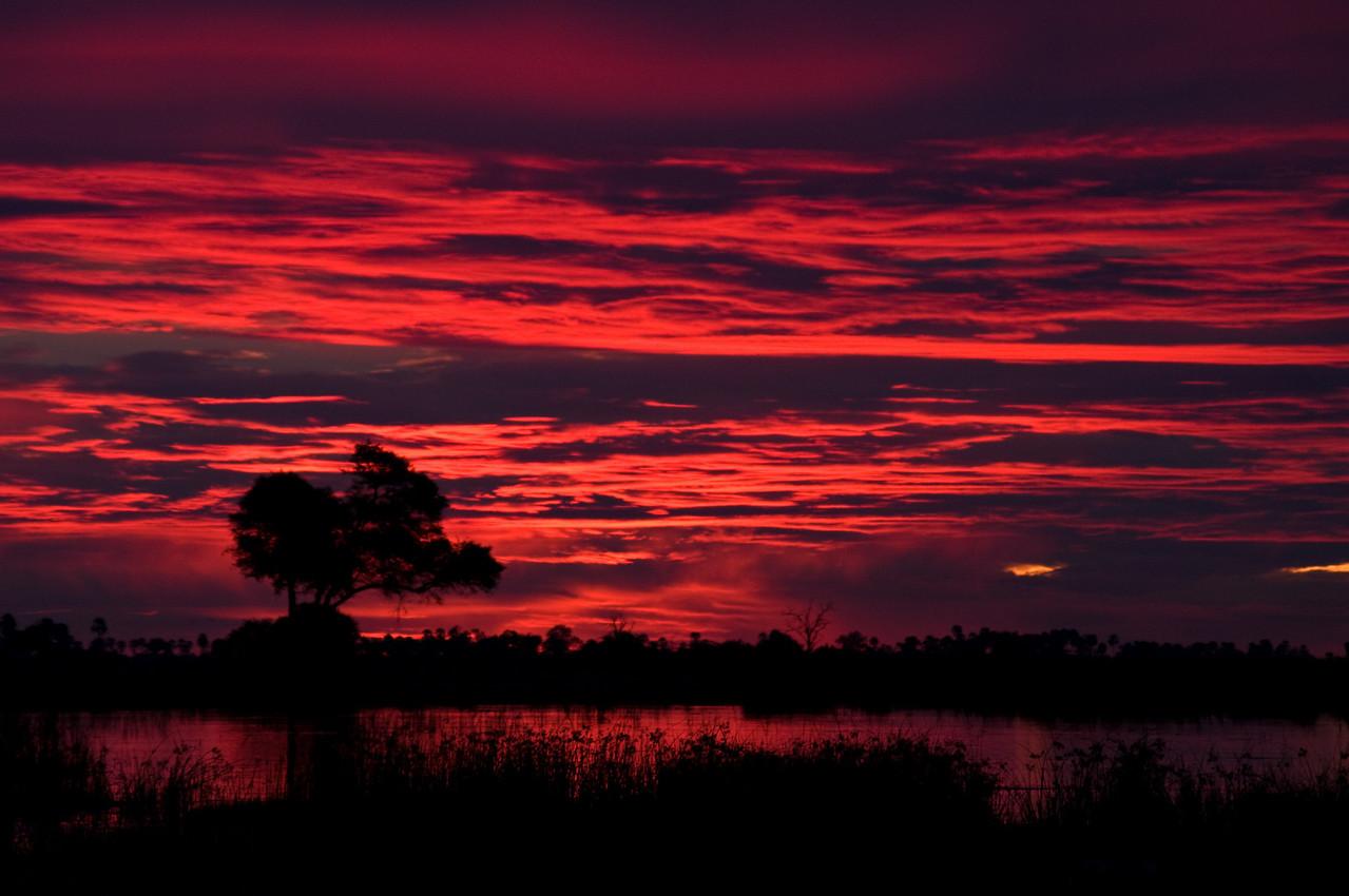 Sundown at Duma Tau 27 December 2008