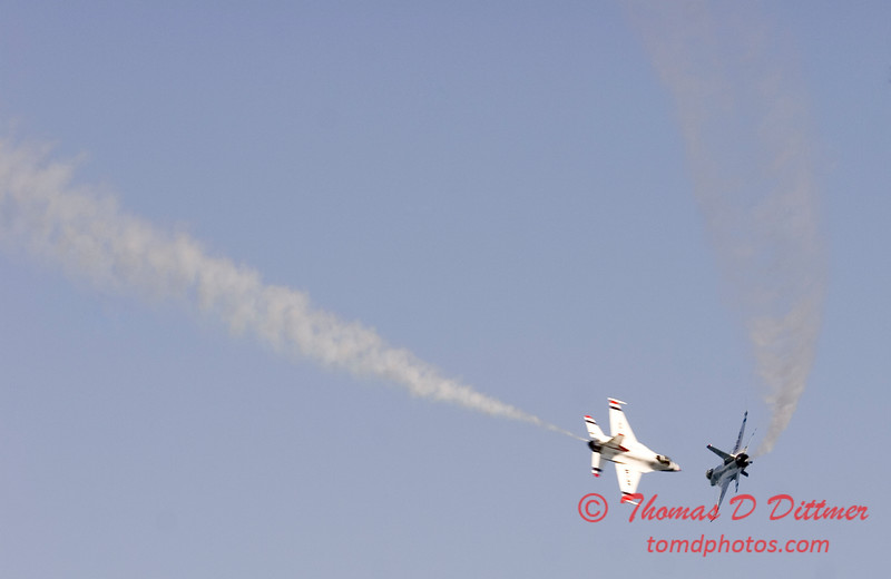 2006 TCF Bank Air Expo 571 - Thunderbirds - F16 Falcon