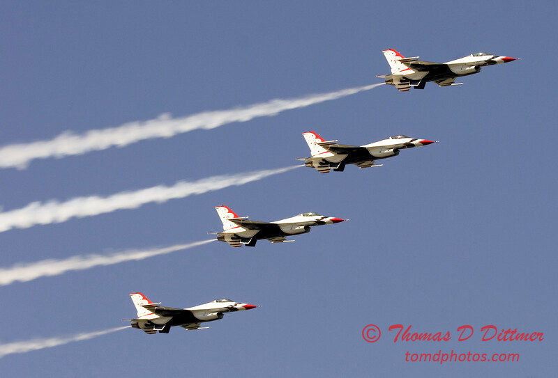 2006 TCF Bank Air Expo 573 - Thunderbirds - F16 Falcon