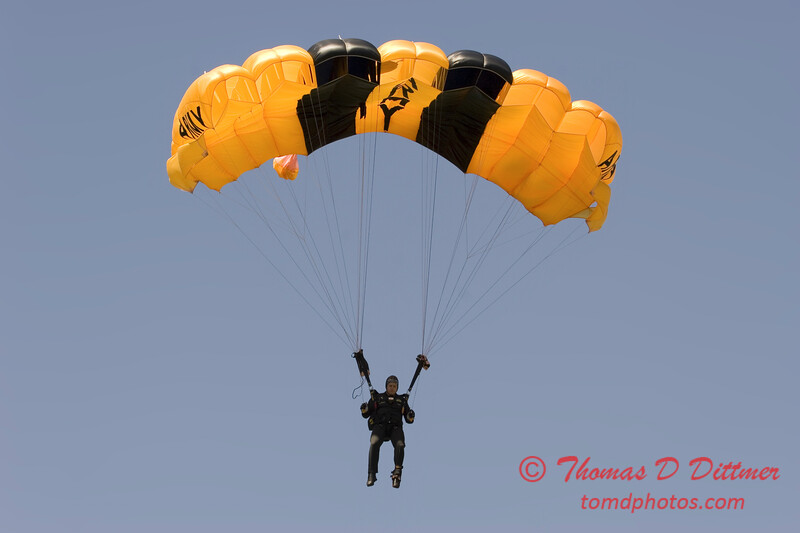 2006 TCF Bank Air Expo 437 - US Army - Golden Knights
