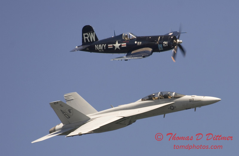2006 TCF Bank Air Expo 541 - US Navy Tailhook Legacy Flight - F18 Hornet & F4U Corsair