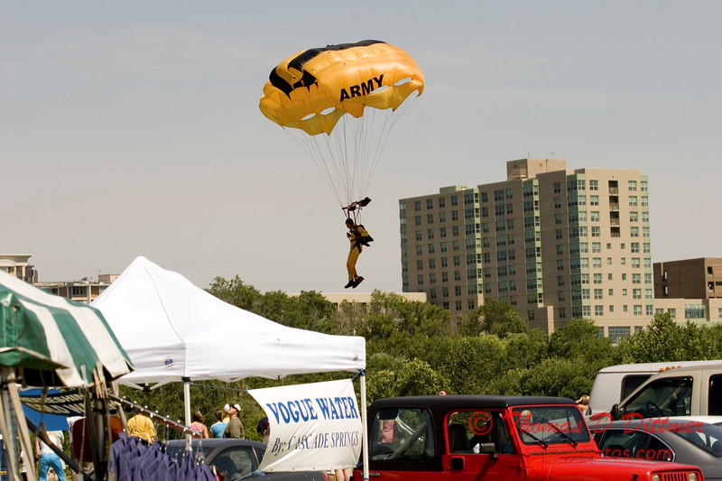 2006 TCF Bank Air Expo 631 - US Army - Golden Knights