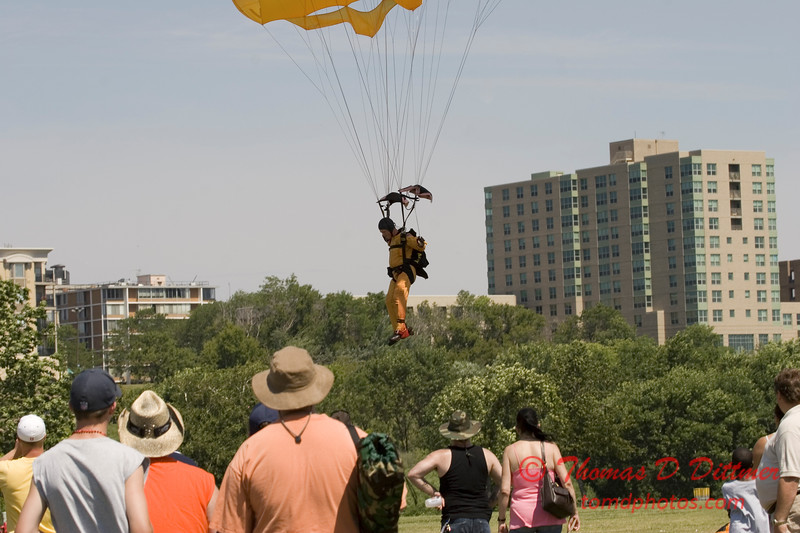 2006 TCF Bank Air Expo 635 - US Army - Golden Knights