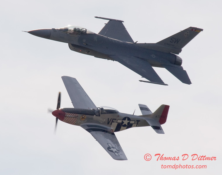 2007 River City Air Expo - 478 - F16 Falcon & P51 Mustang - Heritage Flight