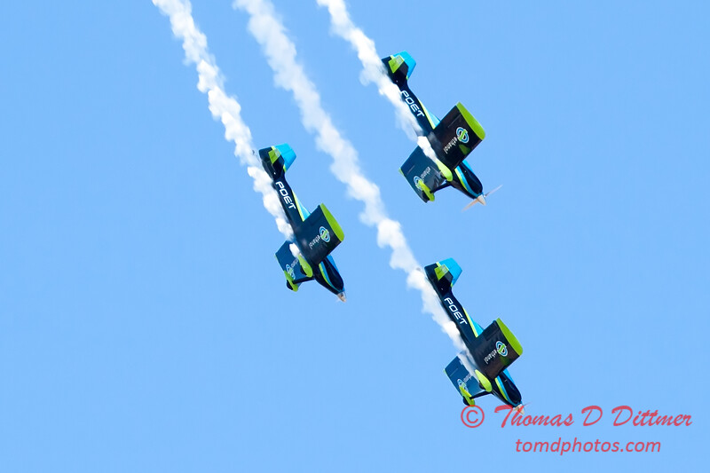 136 - The Vanguard Squadron perform in their ethanol powered RV3's at the South East Iowa Air Show in Burlington Iowa