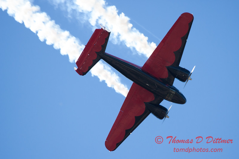 """886 - Matt Younkin performs for fans in his Beechcraft BE18 """"Twin Beech"""" at the South East Iowa Air Show in Burlington Iowa"""