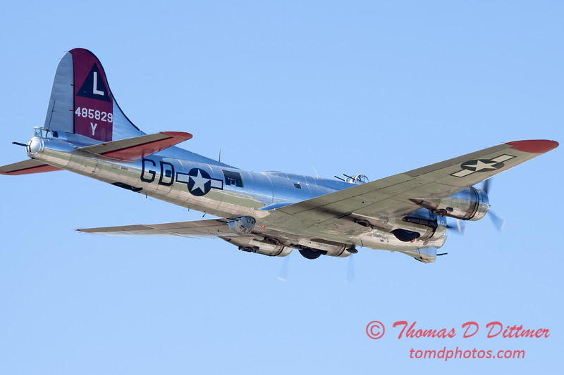 573 - B17 Flying Fortress Fly By at the South East Iowa Air Show in Burlington Iowa
