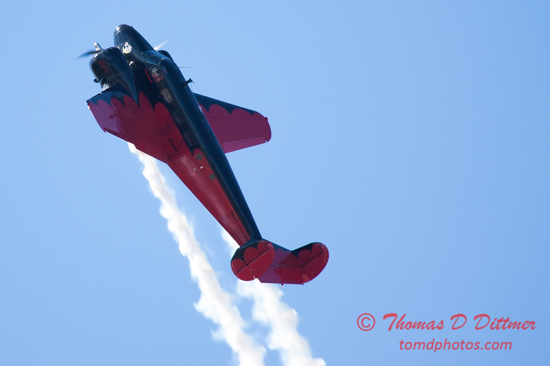 """880 - Matt Younkin performs for fans in his Beechcraft BE18 """"Twin Beech"""" at the South East Iowa Air Show in Burlington Iowa"""