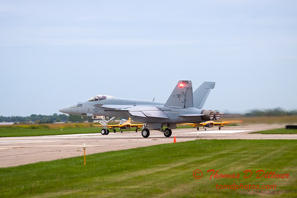 482 - Friday Practice at the Quad City Air Show - Davenport Municipal Airport - Davenport Iowa - August 31st